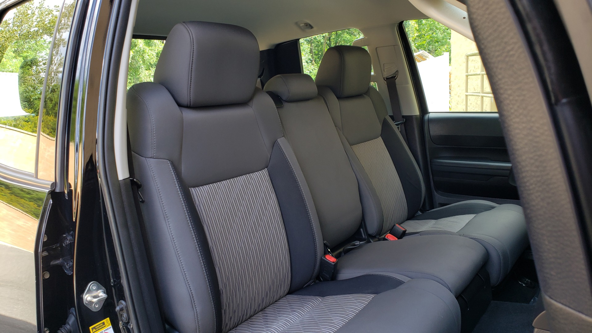 Used 2017 Toyota TUNDRA SR DOUBLECAB / 4WD / 6.5 BED / V8 / AUTO / REARVIEW for sale $33,995 at Formula Imports in Charlotte NC 28227 60