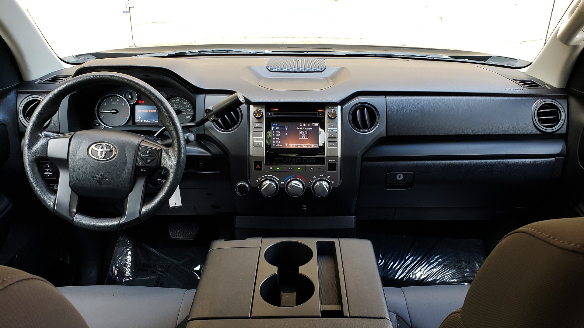 Used 2017 Toyota TUNDRA 4WD SR DOUBLECAB / 4WD / 6.5' BED / V8 / AUTO / REARVIEW for sale Sold at Formula Imports in Charlotte NC 28227 71