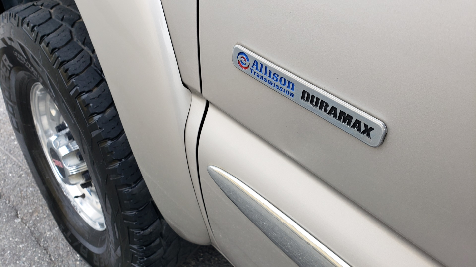 Used 2007 GMC SIERRA 2500HD CLASSIC SLT 4WD / 167WB / 6.6L DURAMAX / DOOMSDAY PREPPER for sale $13,999 at Formula Imports in Charlotte NC 28227 8