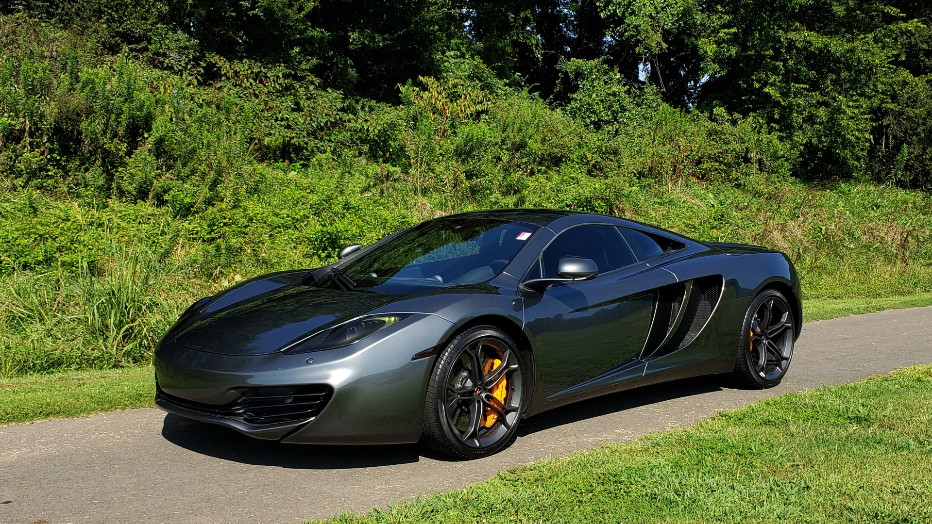 Used 2012 McLaren MP4-12C COUPE / 3.8 L V8 592HP / AUTO / NAV / CCB / LOW MILES for sale Sold at Formula Imports in Charlotte NC 28227 11