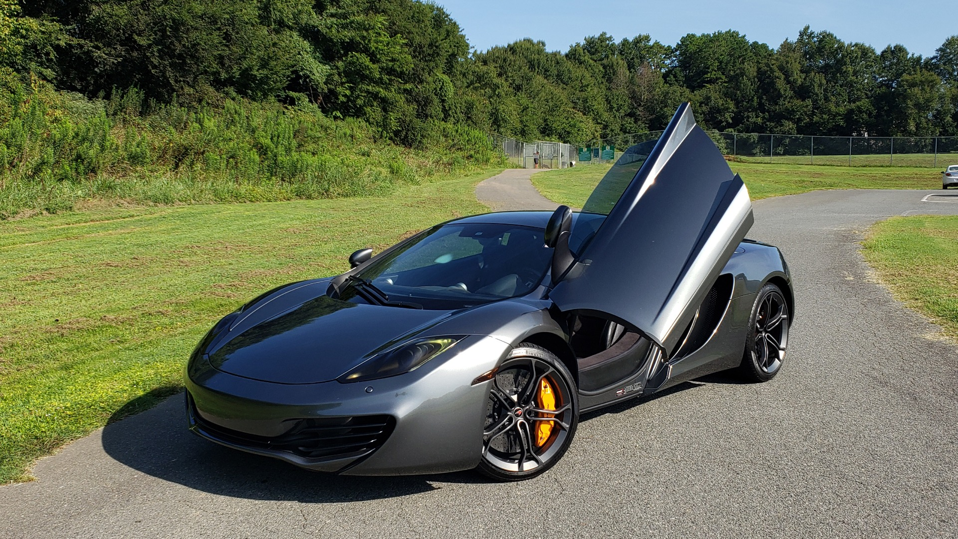 Used 2012 McLaren MP4-12C COUPE / 3.8 L V8 592HP / AUTO / NAV / CCB / LOW MILES for sale Sold at Formula Imports in Charlotte NC 28227 3