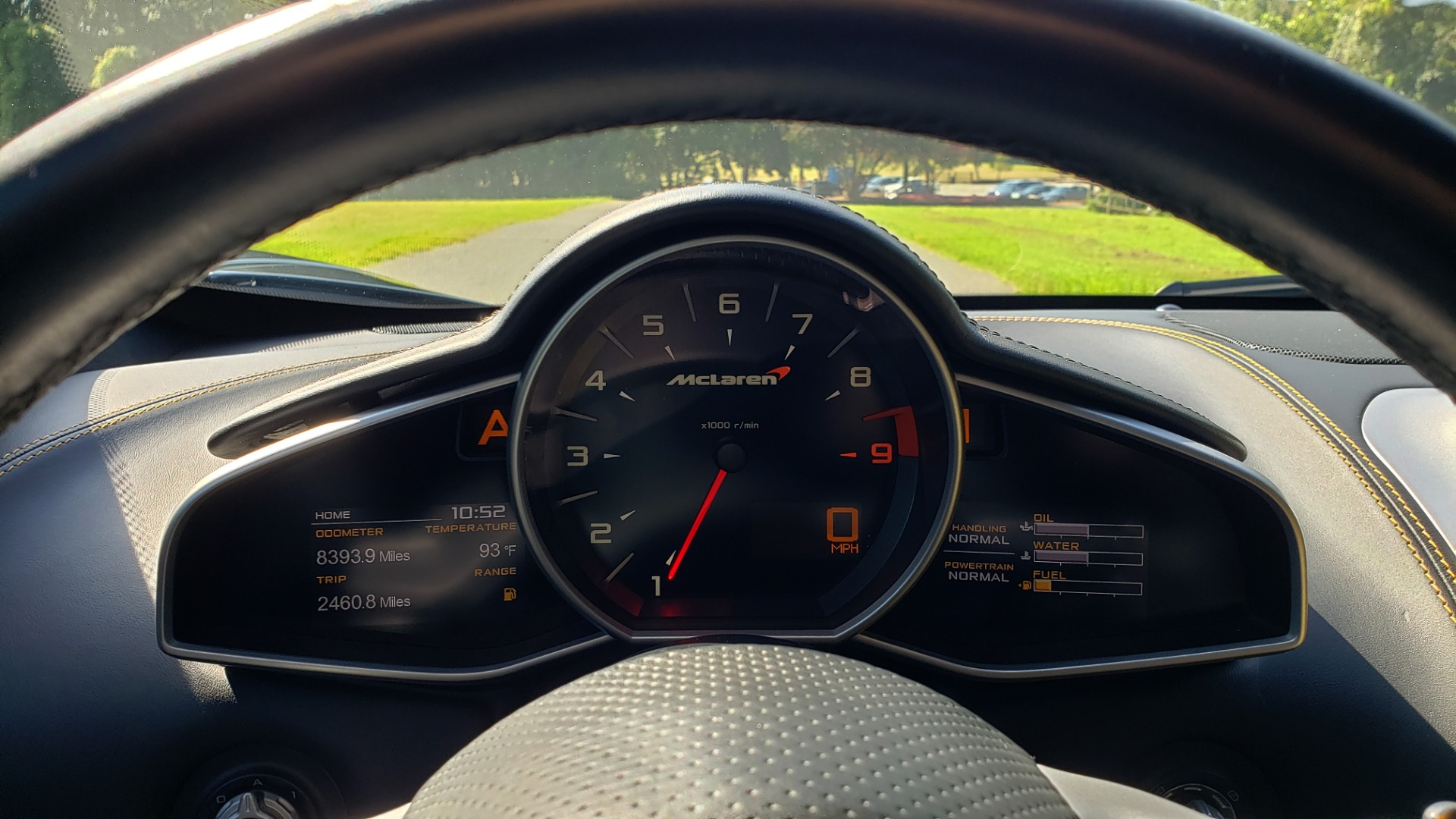 Used 2012 McLaren MP4-12C COUPE / 3.8 L V8 592HP / AUTO / NAV / CCB / LOW MILES for sale $97,999 at Formula Imports in Charlotte NC 28227 40