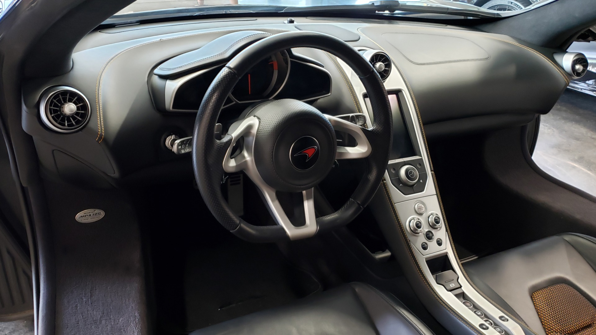 Used 2012 McLaren MP4-12C COUPE / 3.8 L V8 592HP / AUTO / NAV / CCB / LOW MILES for sale $97,999 at Formula Imports in Charlotte NC 28227 44