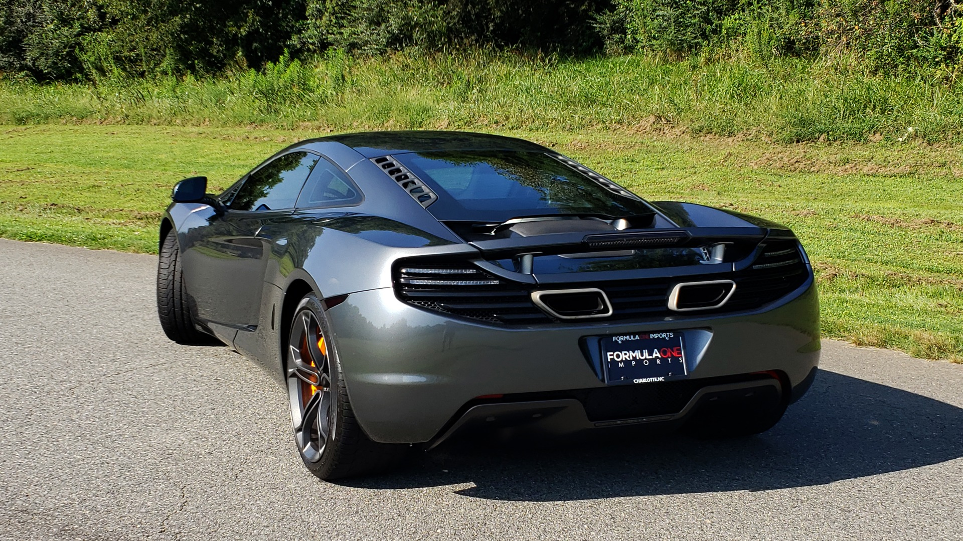 Used 2012 McLaren MP4-12C COUPE / 3.8 L V8 592HP / AUTO / NAV / CCB / LOW MILES for sale Sold at Formula Imports in Charlotte NC 28227 5