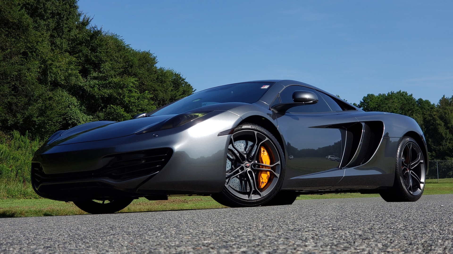 Used 2012 McLaren MP4-12C COUPE / 3.8 L V8 592HP / AUTO / NAV / CCB / LOW MILES for sale $97,999 at Formula Imports in Charlotte NC 28227 6