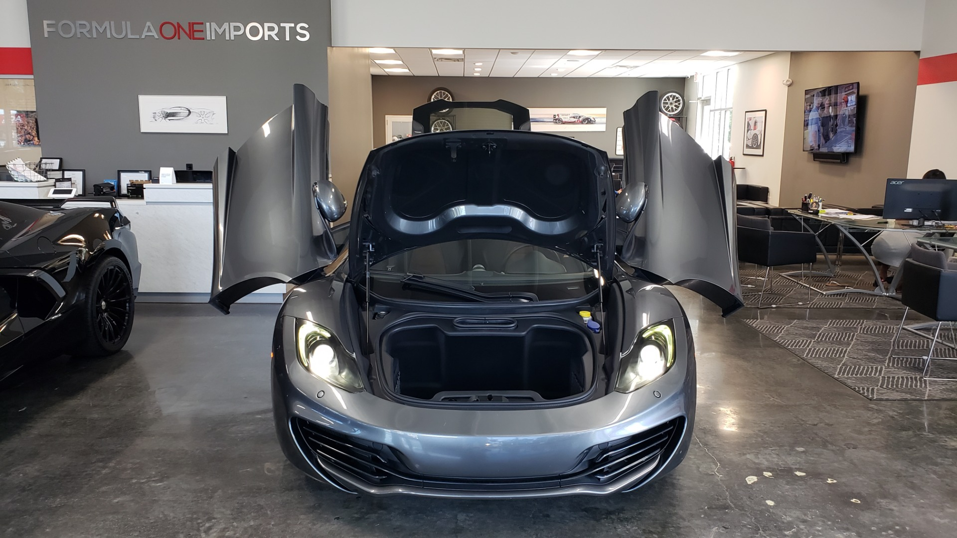 Used 2012 McLaren MP4-12C COUPE / 3.8 L V8 592HP / AUTO / NAV / CCB / LOW MILES for sale $97,999 at Formula Imports in Charlotte NC 28227 83