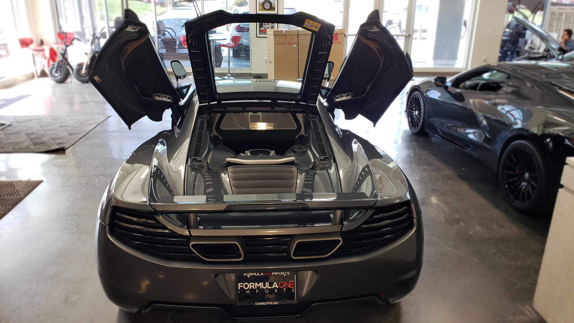 Used 2012 McLaren MP4-12C COUPE / 3.8 L V8 592HP / AUTO / NAV / CCB / LOW MILES for sale $97,999 at Formula Imports in Charlotte NC 28227 86