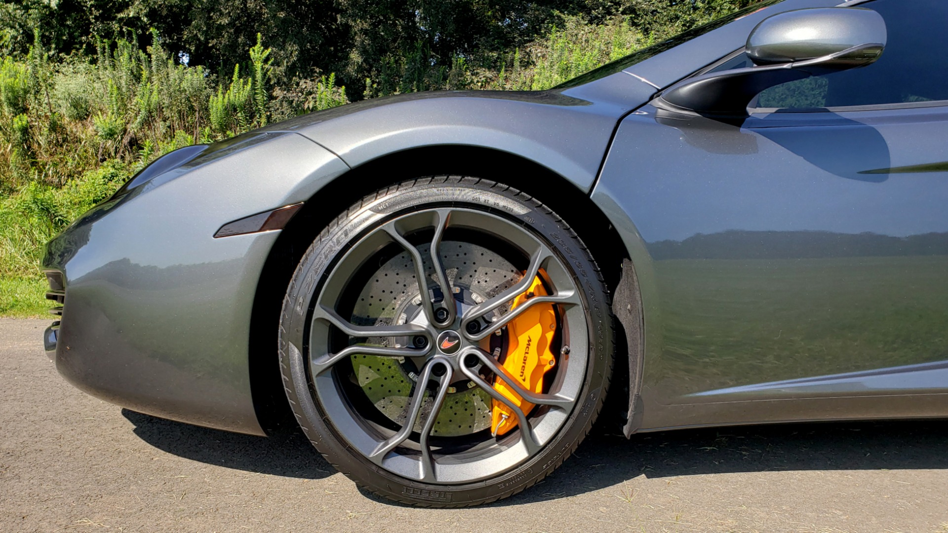 Used 2012 McLaren MP4-12C COUPE / 3.8 L V8 592HP / AUTO / NAV / CCB / LOW MILES for sale $97,999 at Formula Imports in Charlotte NC 28227 92