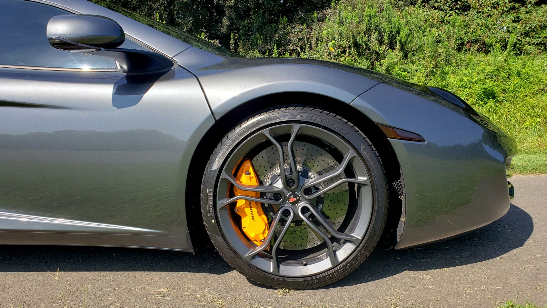 Used 2012 McLaren MP4-12C COUPE / 3.8 L V8 592HP / AUTO / NAV / CCB / LOW MILES for sale $97,999 at Formula Imports in Charlotte NC 28227 95