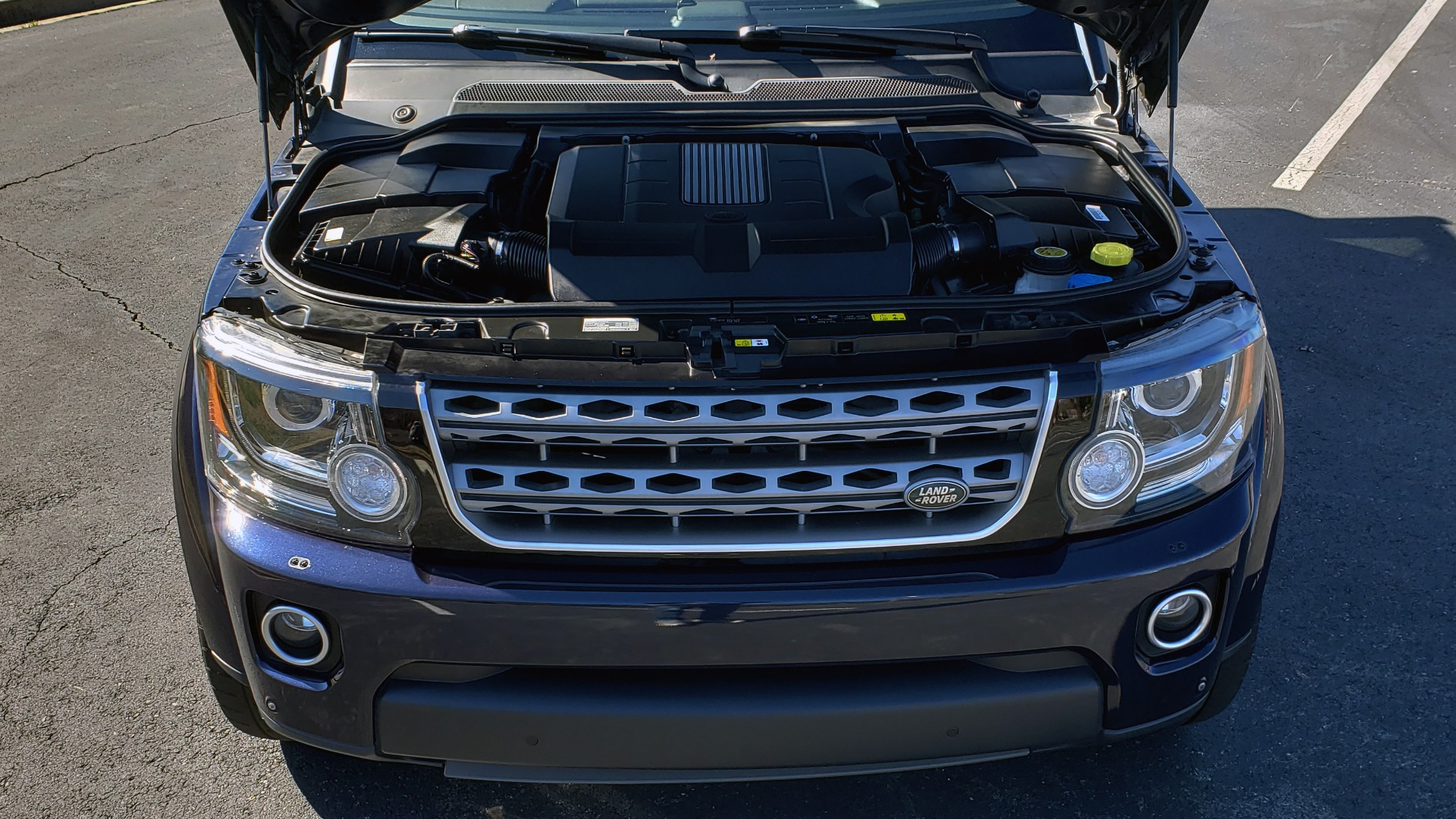 Used 2016 Land Rover LR4 HSE / NAV / VSN ASST / CLIMATE / MERIDIAN / REARVIEW for sale Sold at Formula Imports in Charlotte NC 28227 11