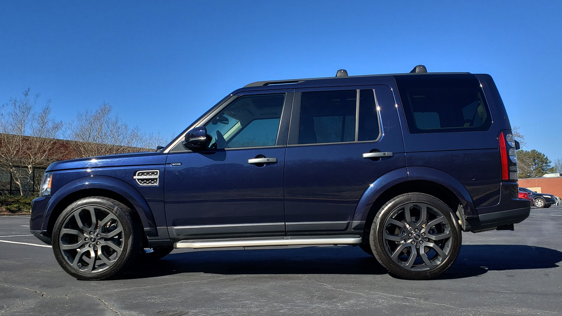 Used 2016 Land Rover LR4 HSE / NAV / VSN ASST / CLIMATE / MERIDIAN / REARVIEW for sale Sold at Formula Imports in Charlotte NC 28227 2