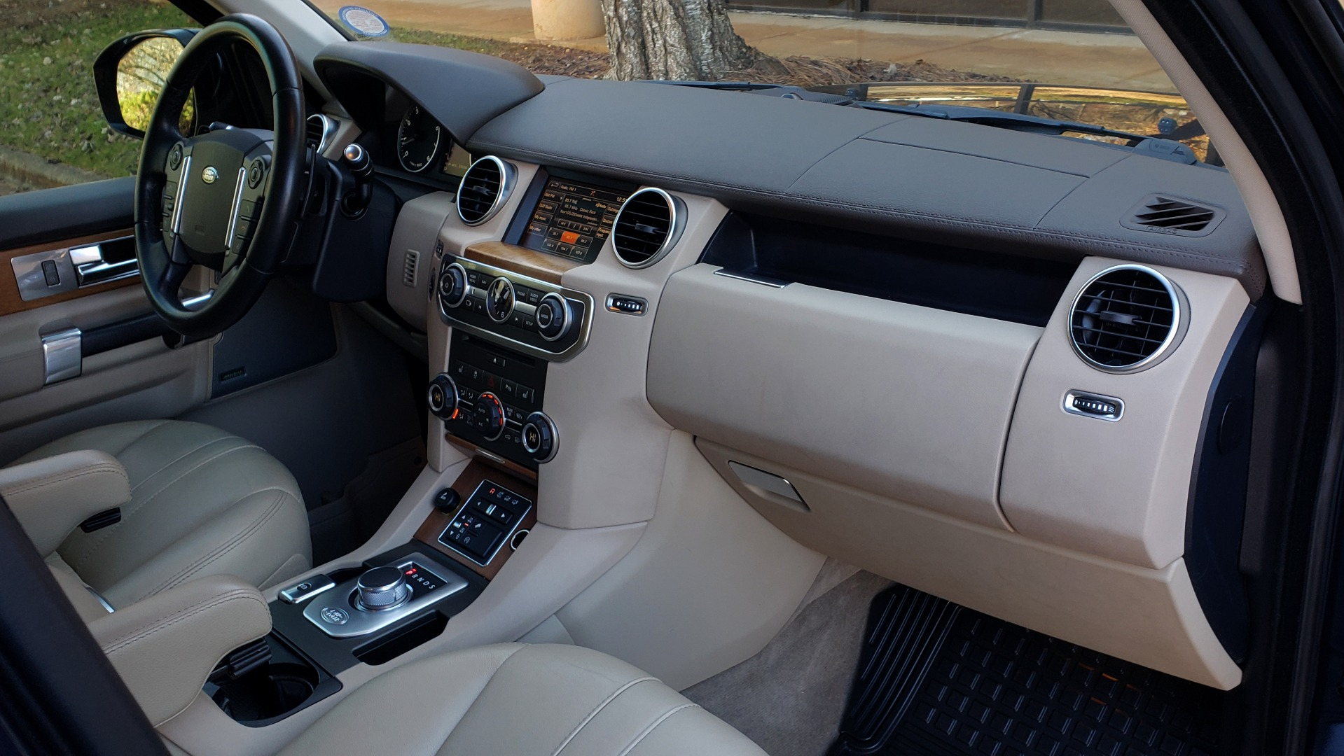 Used 2016 Land Rover LR4 HSE / NAV / VSN ASST / CLIMATE / MERIDIAN / REARVIEW for sale Sold at Formula Imports in Charlotte NC 28227 68