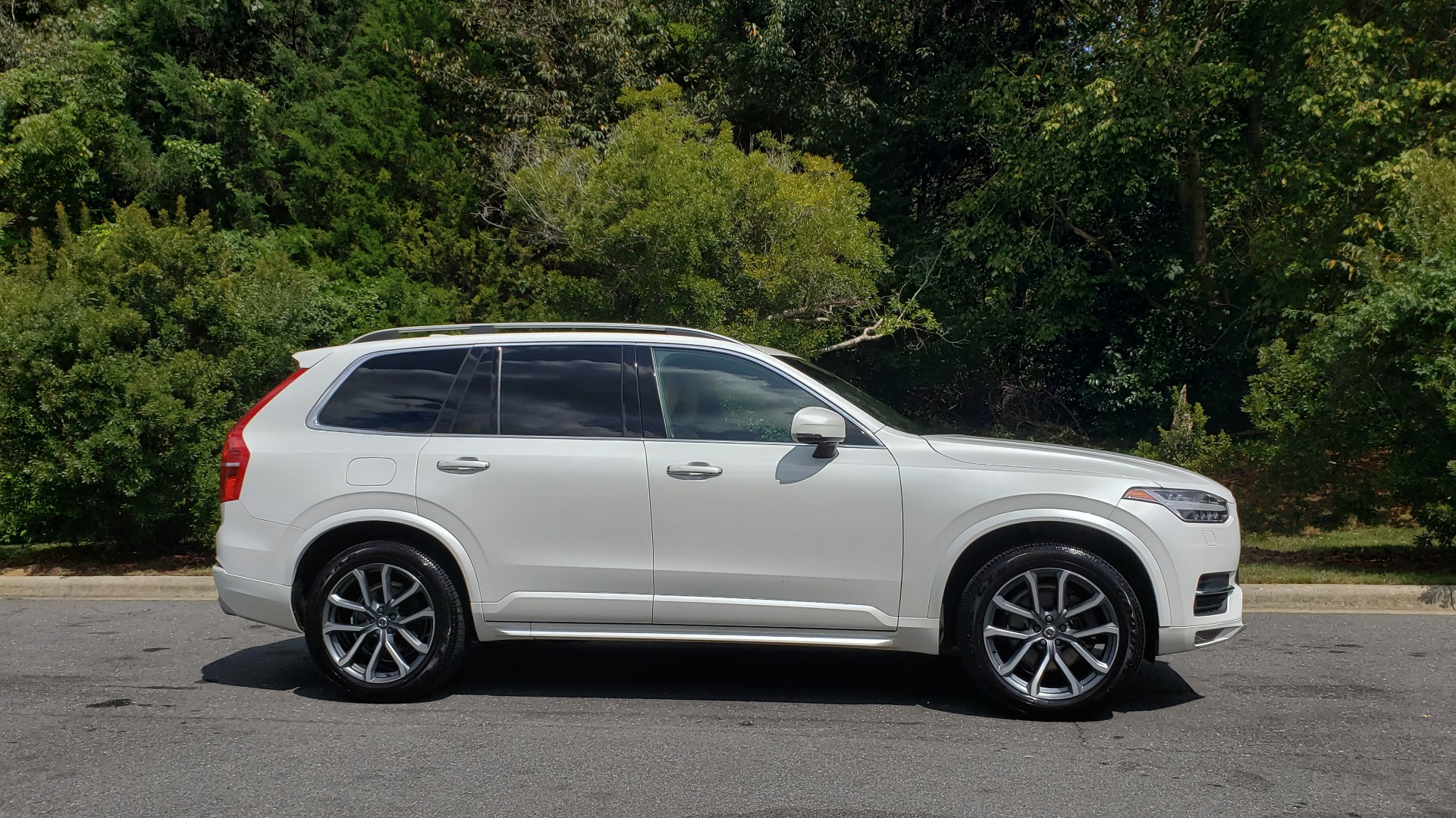 Used 2017 Volvo XC90 MOMENTUM PLUS T6 AWD / NAV / VISION / PROTECTION PKG for sale $34,995 at Formula Imports in Charlotte NC 28227 4