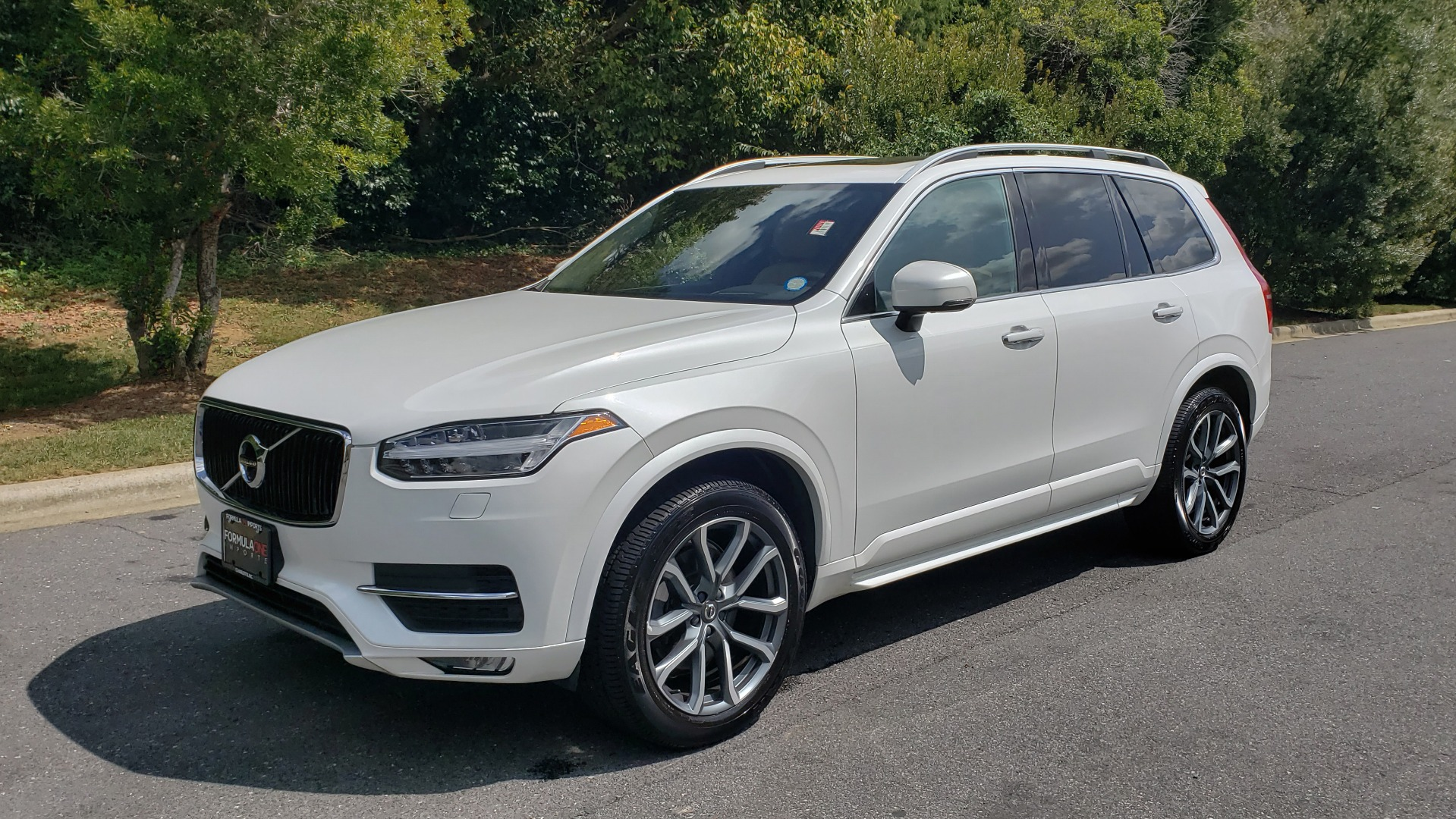 Used 2017 Volvo XC90 MOMENTUM PLUS T6 AWD / NAV / VISION / PROTECTION PKG for sale $34,995 at Formula Imports in Charlotte NC 28227 6