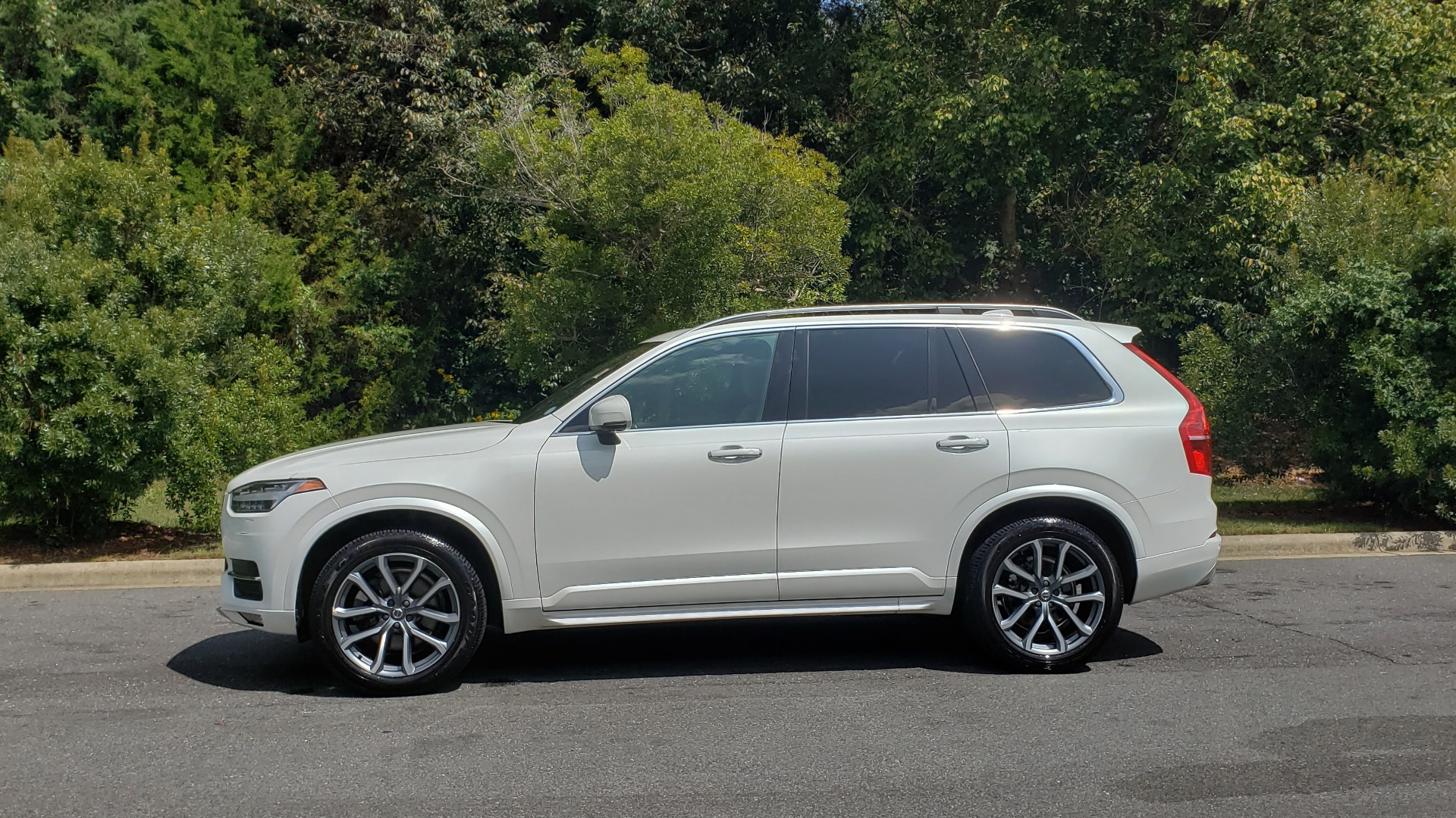 Used 2017 Volvo XC90 MOMENTUM PLUS T6 AWD / NAV / VISION / PROTECTION PKG for sale $34,995 at Formula Imports in Charlotte NC 28227 7