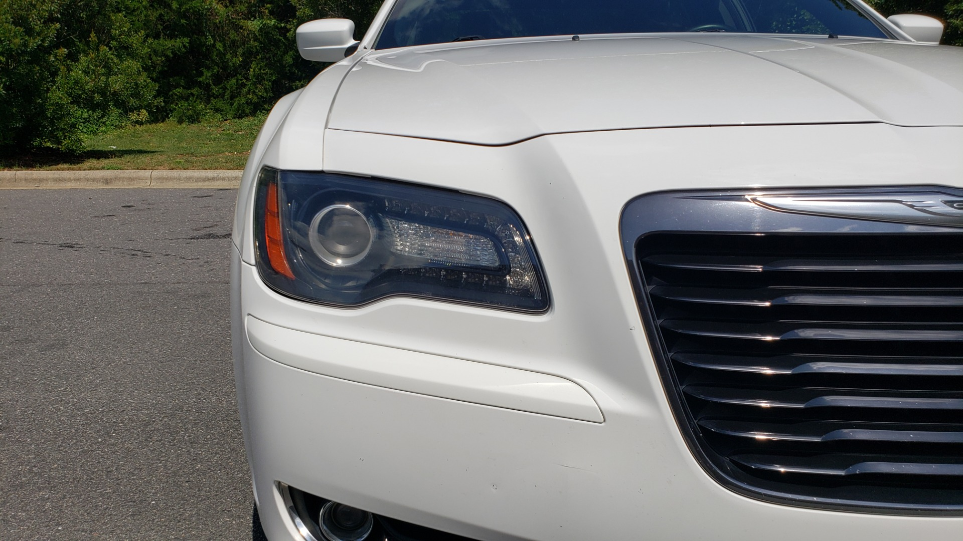 Used 2014 Chrysler 300 S / AWD / NAV / PANO-ROOF / HTD STS / BEATS SOUND / REARVIEW for sale Sold at Formula Imports in Charlotte NC 28227 19