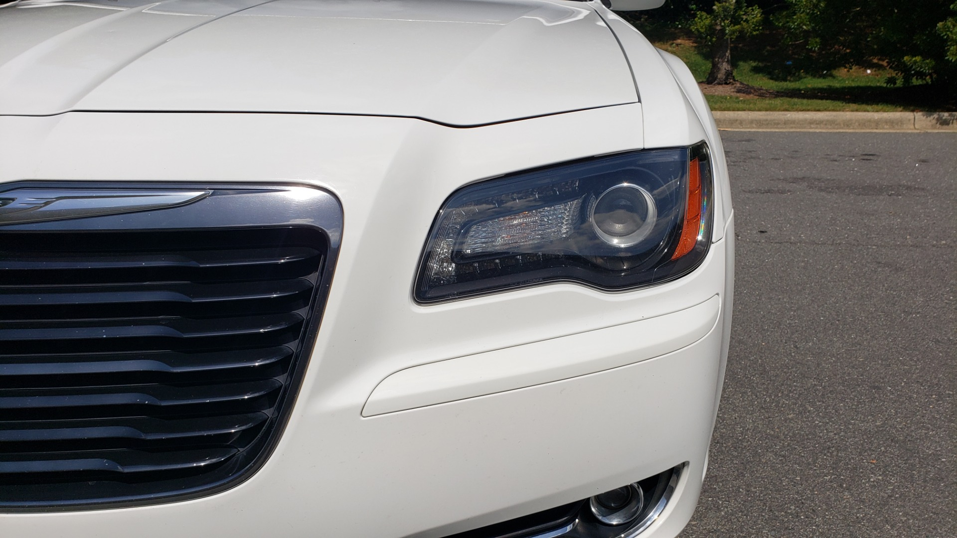 Used 2014 Chrysler 300 S / AWD / NAV / PANO-ROOF / HTD STS / BEATS SOUND / REARVIEW for sale Sold at Formula Imports in Charlotte NC 28227 20