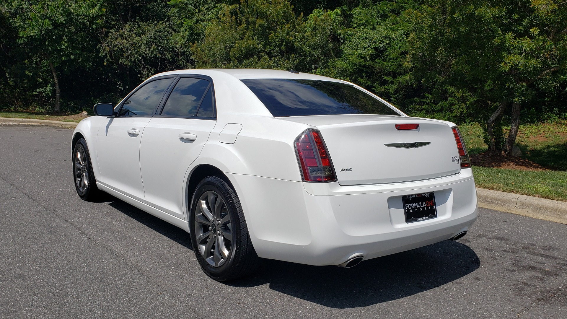 Used 2014 Chrysler 300 S / AWD / NAV / PANO-ROOF / HTD STS / BEATS SOUND / REARVIEW for sale Sold at Formula Imports in Charlotte NC 28227 3