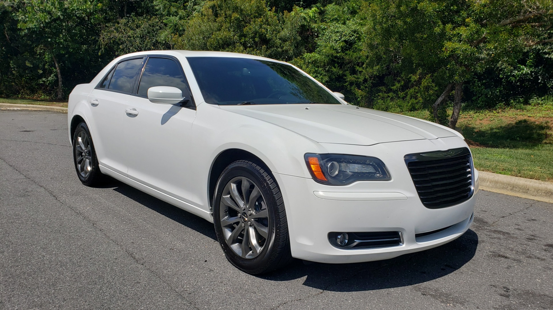 Used 2014 Chrysler 300 S / AWD / NAV / PANO-ROOF / HTD STS / BEATS SOUND / REARVIEW for sale Sold at Formula Imports in Charlotte NC 28227 4