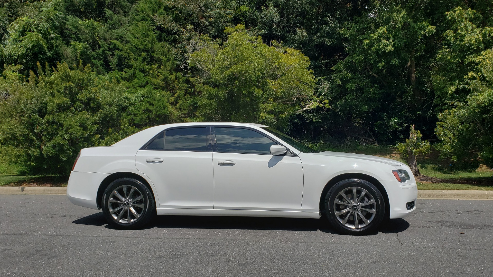 Used 2014 Chrysler 300 S / AWD / NAV / PANO-ROOF / HTD STS / BEATS SOUND / REARVIEW for sale Sold at Formula Imports in Charlotte NC 28227 5
