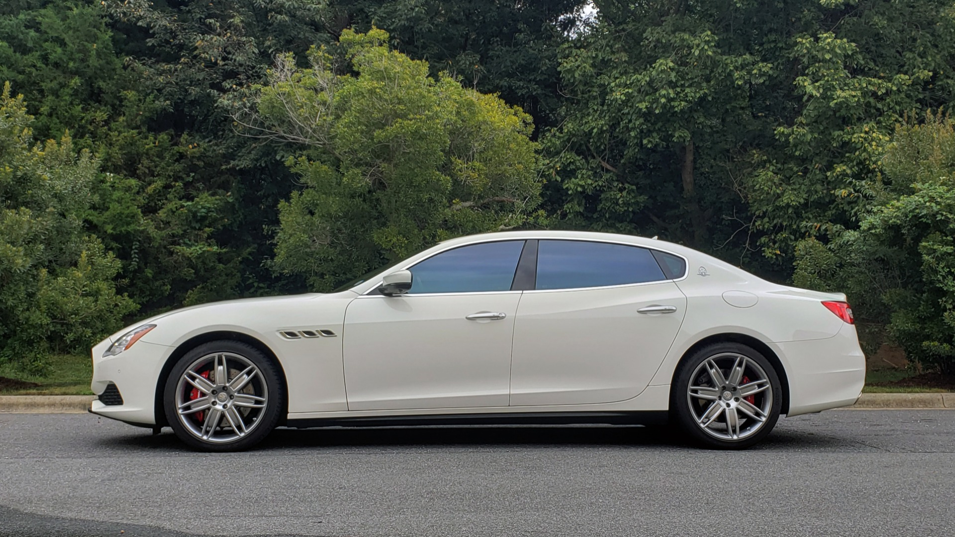 Used 2017 Maserati QUATTROPORTE S / DRIVER ASST PKG / SUNROOF / NAV / REARVIEW for sale Sold at Formula Imports in Charlotte NC 28227 4
