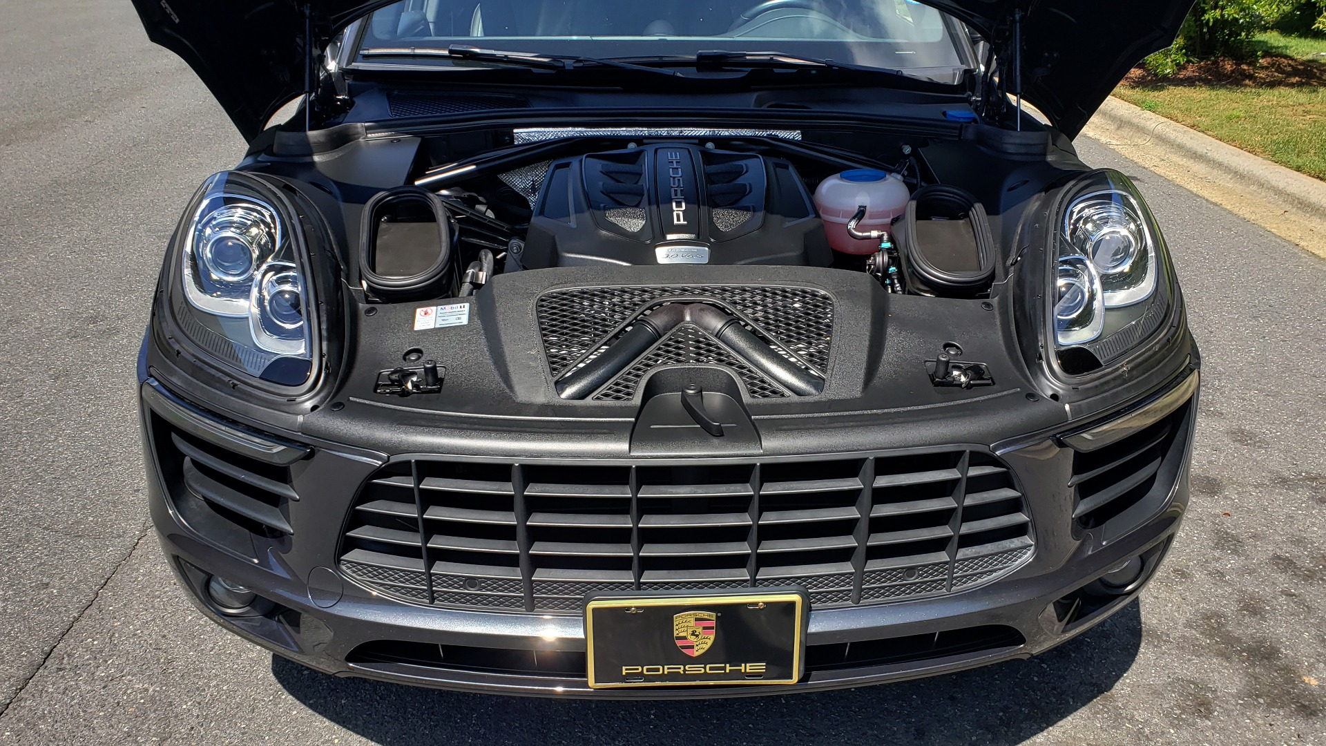 Used 2017 Porsche MACAN S PREMIUM PKG / NAV / BOSE / SUNROOF / REARVIEW for sale Sold at Formula Imports in Charlotte NC 28227 14