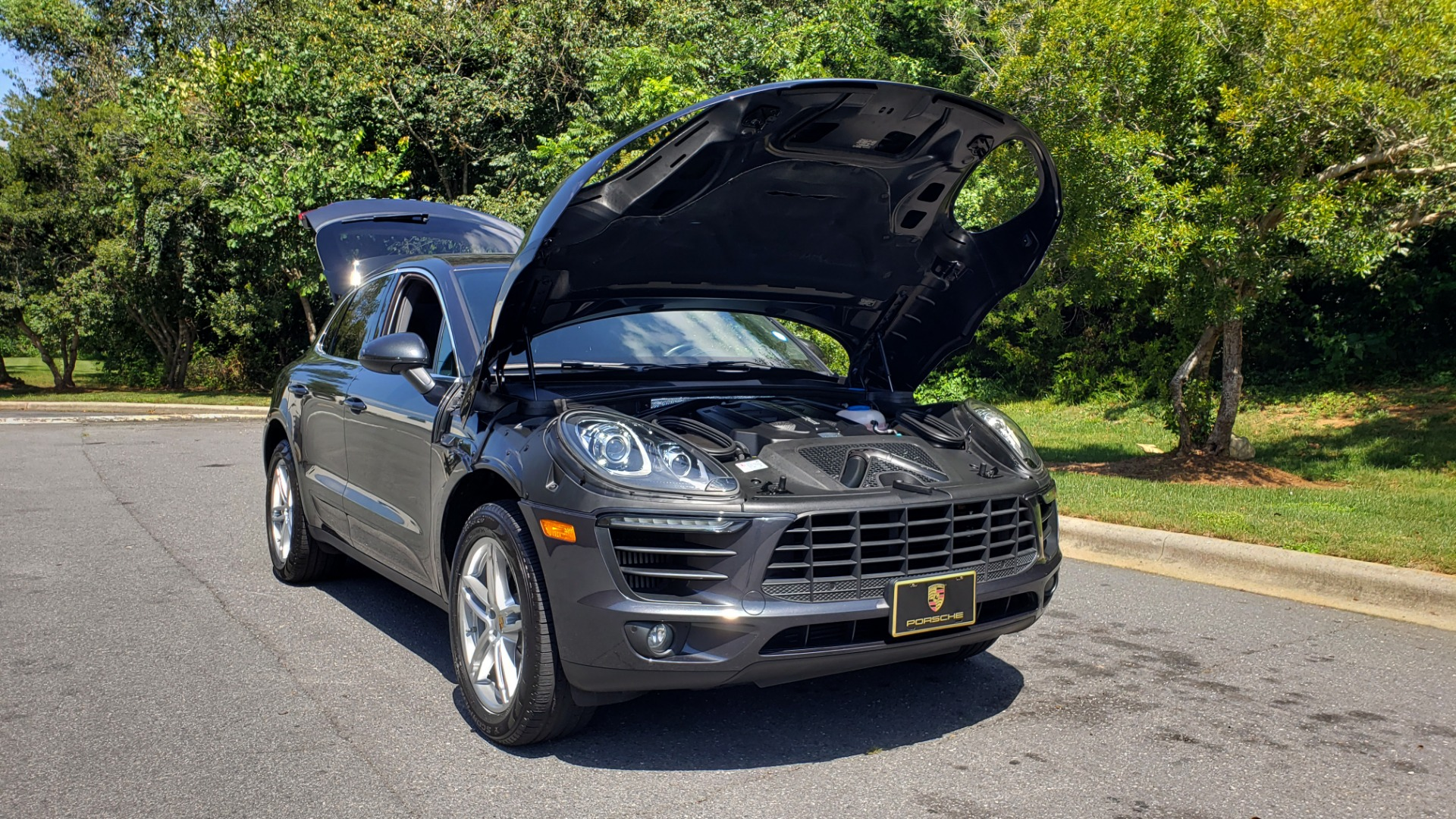 Used 2017 Porsche MACAN S PREMIUM PKG / NAV / BOSE / SUNROOF / REARVIEW for sale Sold at Formula Imports in Charlotte NC 28227 19
