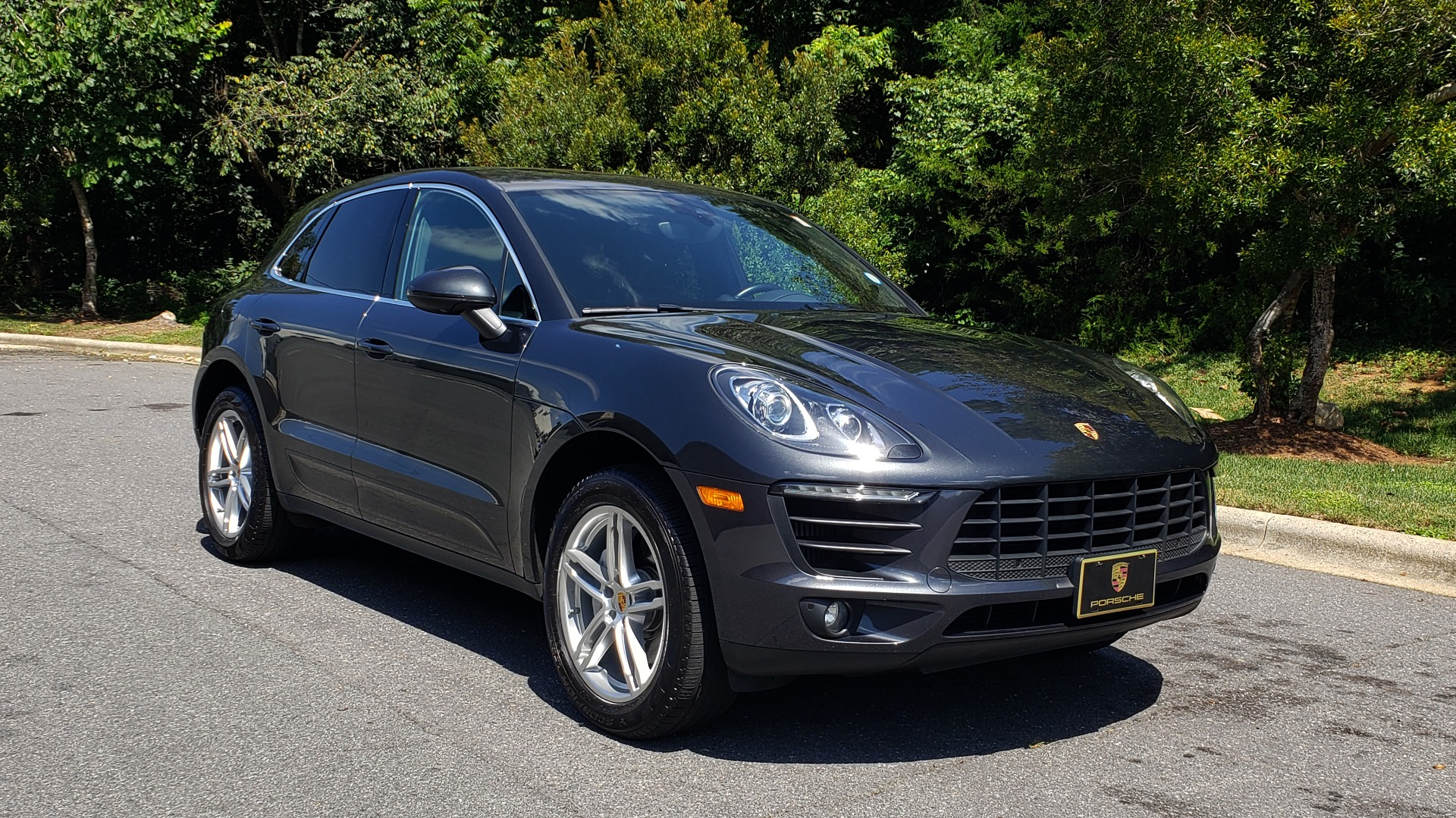 Used 2017 Porsche MACAN S PREMIUM PKG / NAV / BOSE / SUNROOF / REARVIEW for sale Sold at Formula Imports in Charlotte NC 28227 3
