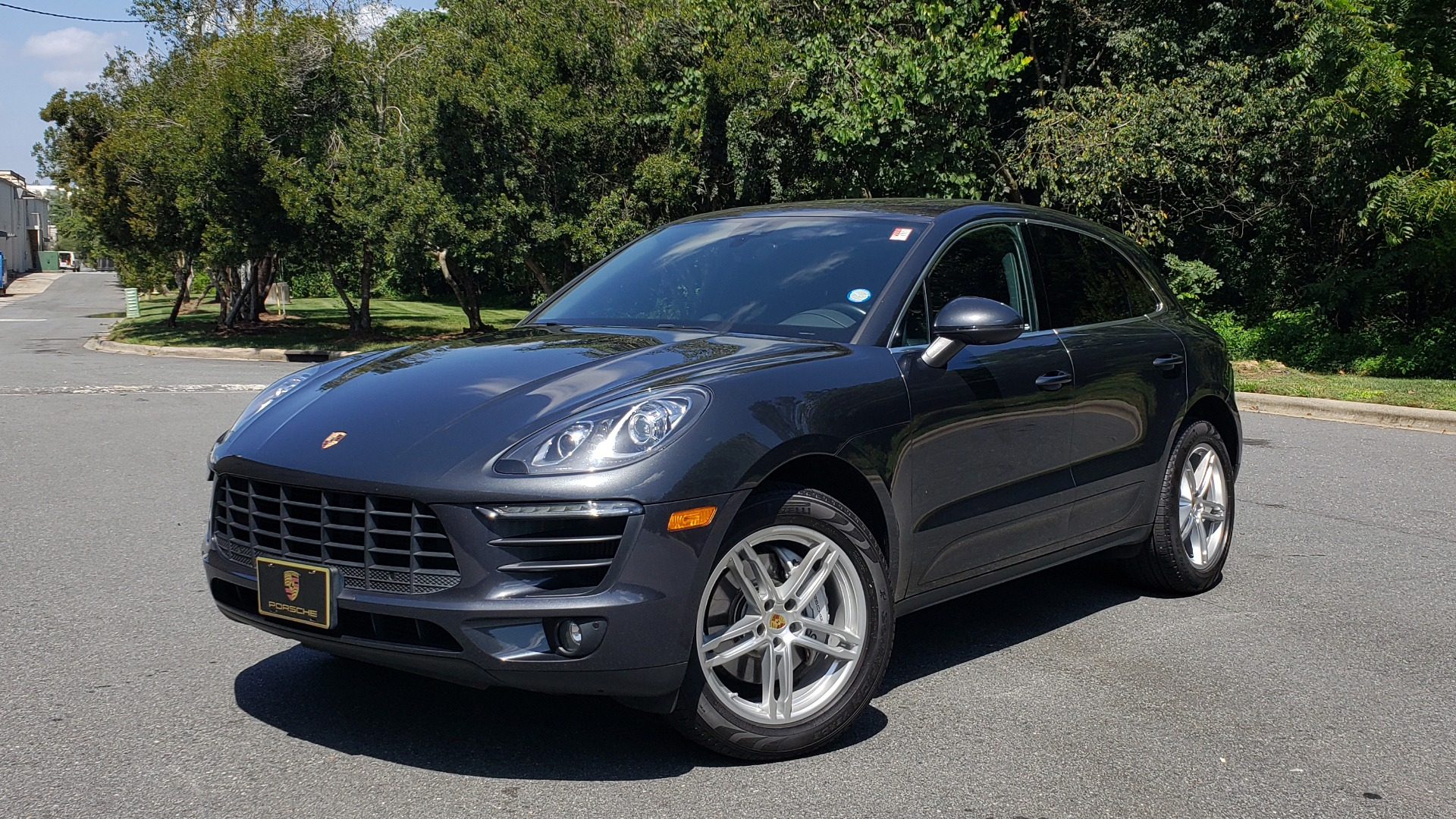Used 2017 Porsche MACAN S PREMIUM PKG / NAV / BOSE / SUNROOF / REARVIEW for sale Sold at Formula Imports in Charlotte NC 28227 4