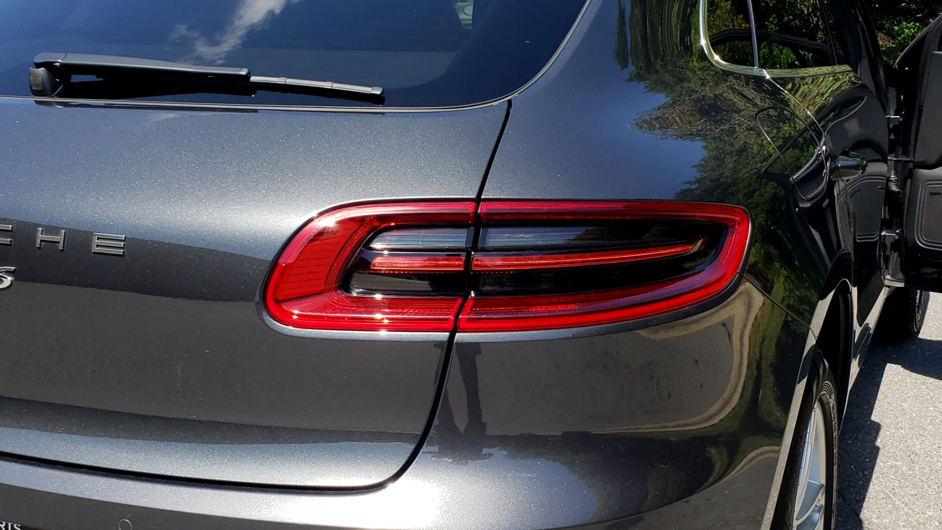 Used 2017 Porsche MACAN S PREMIUM PKG / NAV / BOSE / SUNROOF / REARVIEW for sale Sold at Formula Imports in Charlotte NC 28227 42