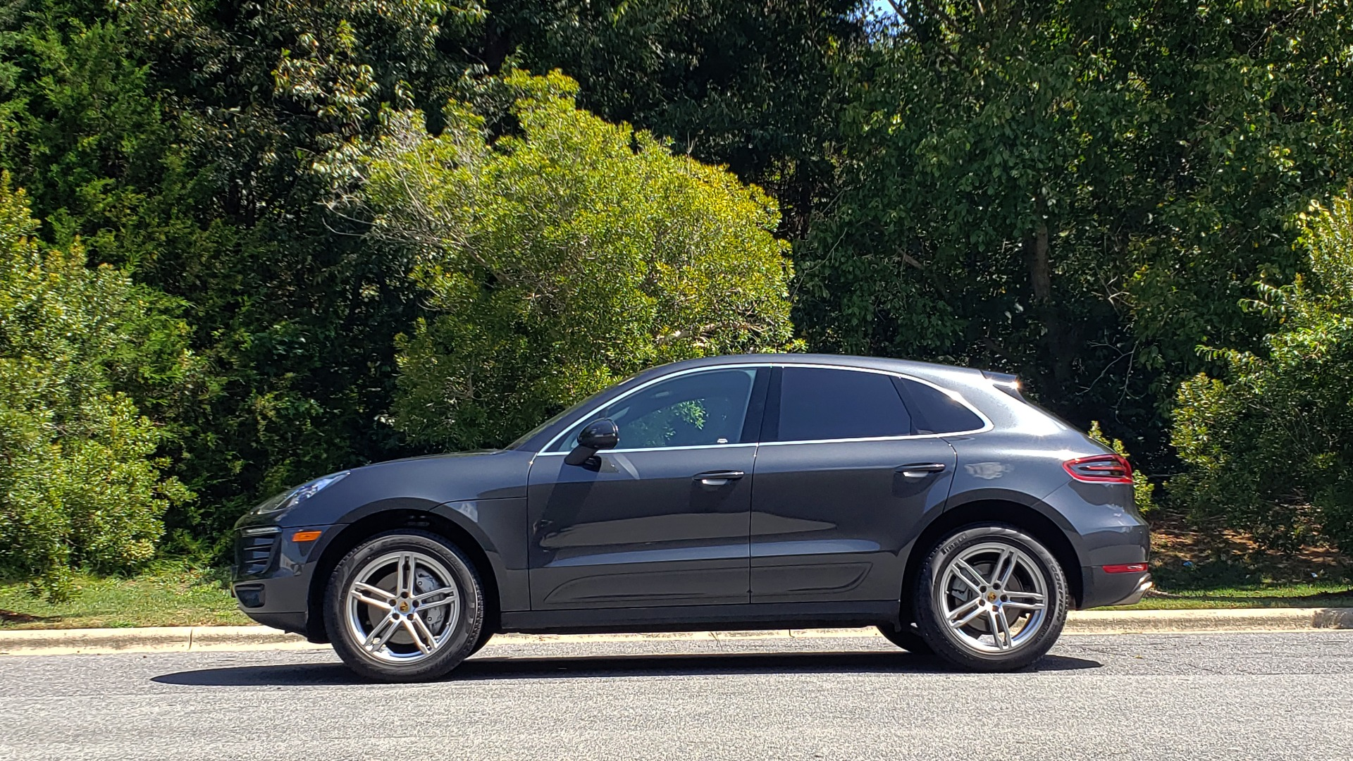 Used 2017 Porsche MACAN S PREMIUM PKG / NAV / BOSE / SUNROOF / REARVIEW for sale Sold at Formula Imports in Charlotte NC 28227 7