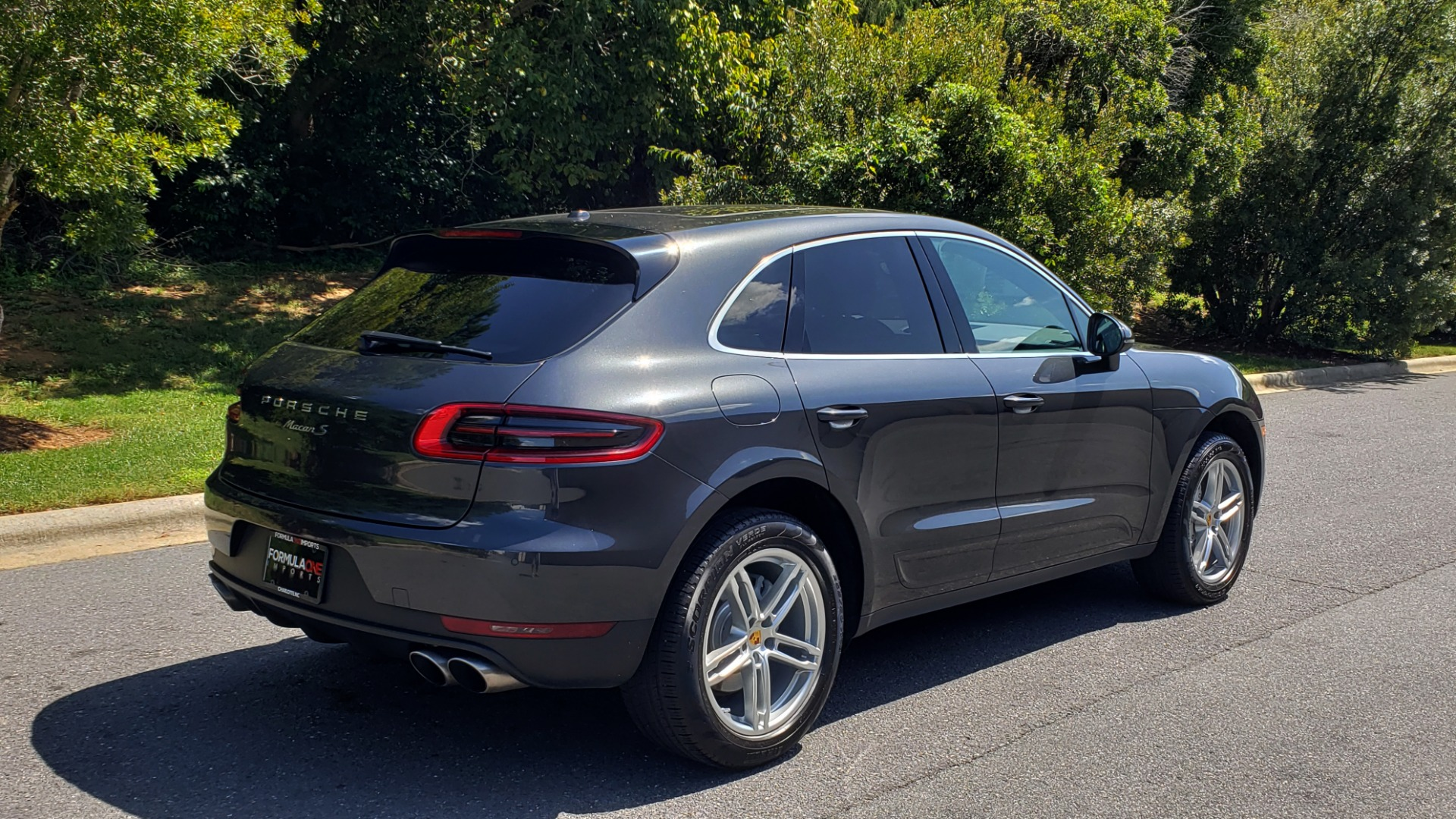 Used 2017 Porsche MACAN S PREMIUM PKG / NAV / BOSE / SUNROOF / REARVIEW for sale Sold at Formula Imports in Charlotte NC 28227 9