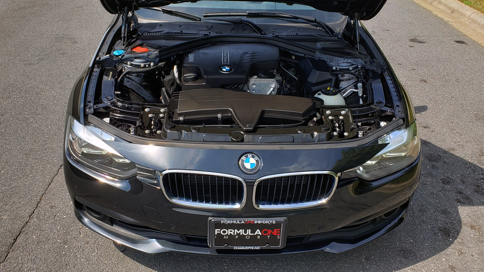 Used 2017 BMW 3 SERIES 320I XDRIVE / DRVR ASST / NAV / SUNROOF / HTD STS / REARVIEW for sale $21,995 at Formula Imports in Charlotte NC 28227 10