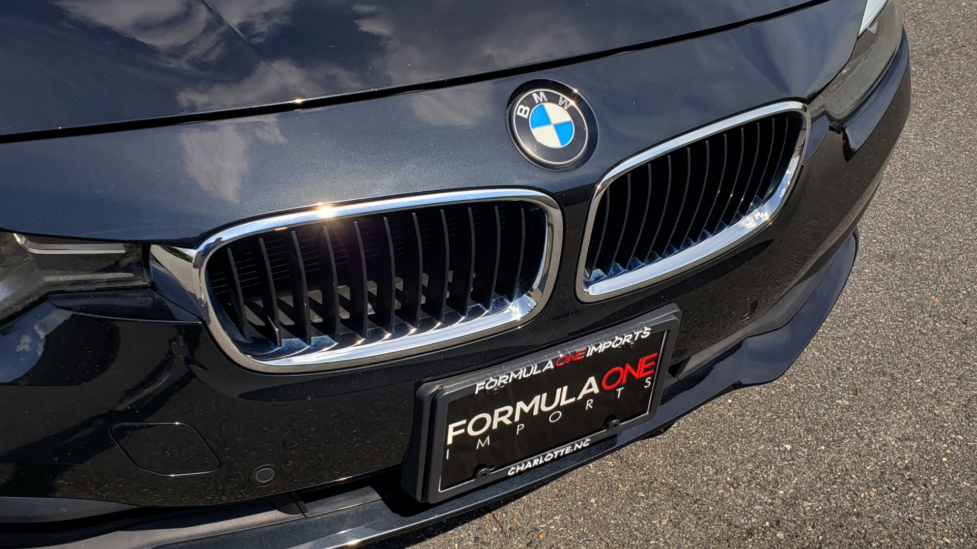 Used 2017 BMW 3 SERIES 320I XDRIVE / DRVR ASST / NAV / SUNROOF / HTD STS / REARVIEW for sale $21,995 at Formula Imports in Charlotte NC 28227 23