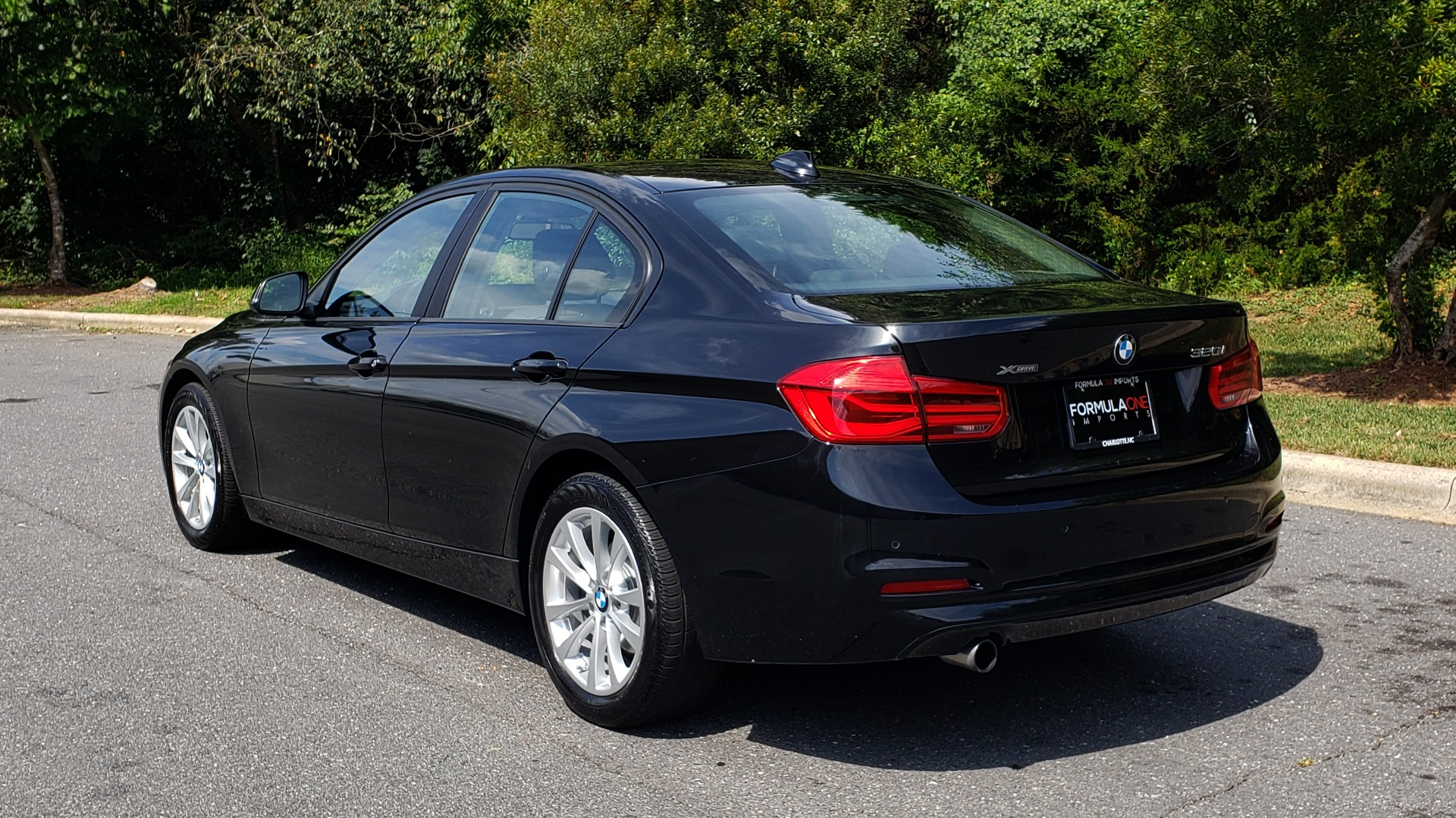 Used 2017 BMW 3 SERIES 320I XDRIVE / DRVR ASST / NAV / SUNROOF / HTD STS / REARVIEW for sale $21,995 at Formula Imports in Charlotte NC 28227 3
