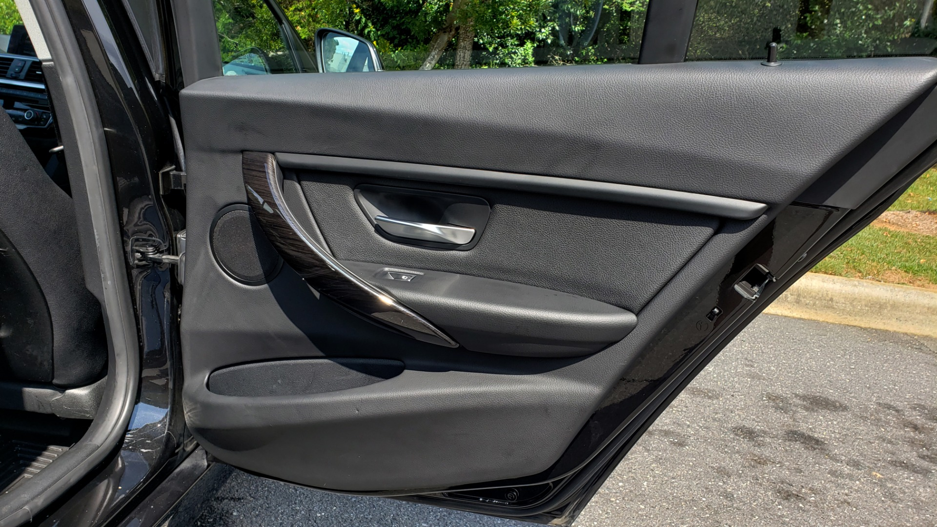 Used 2017 BMW 3 SERIES 320I XDRIVE / DRVR ASST / NAV / SUNROOF / HTD STS / REARVIEW for sale $21,995 at Formula Imports in Charlotte NC 28227 72