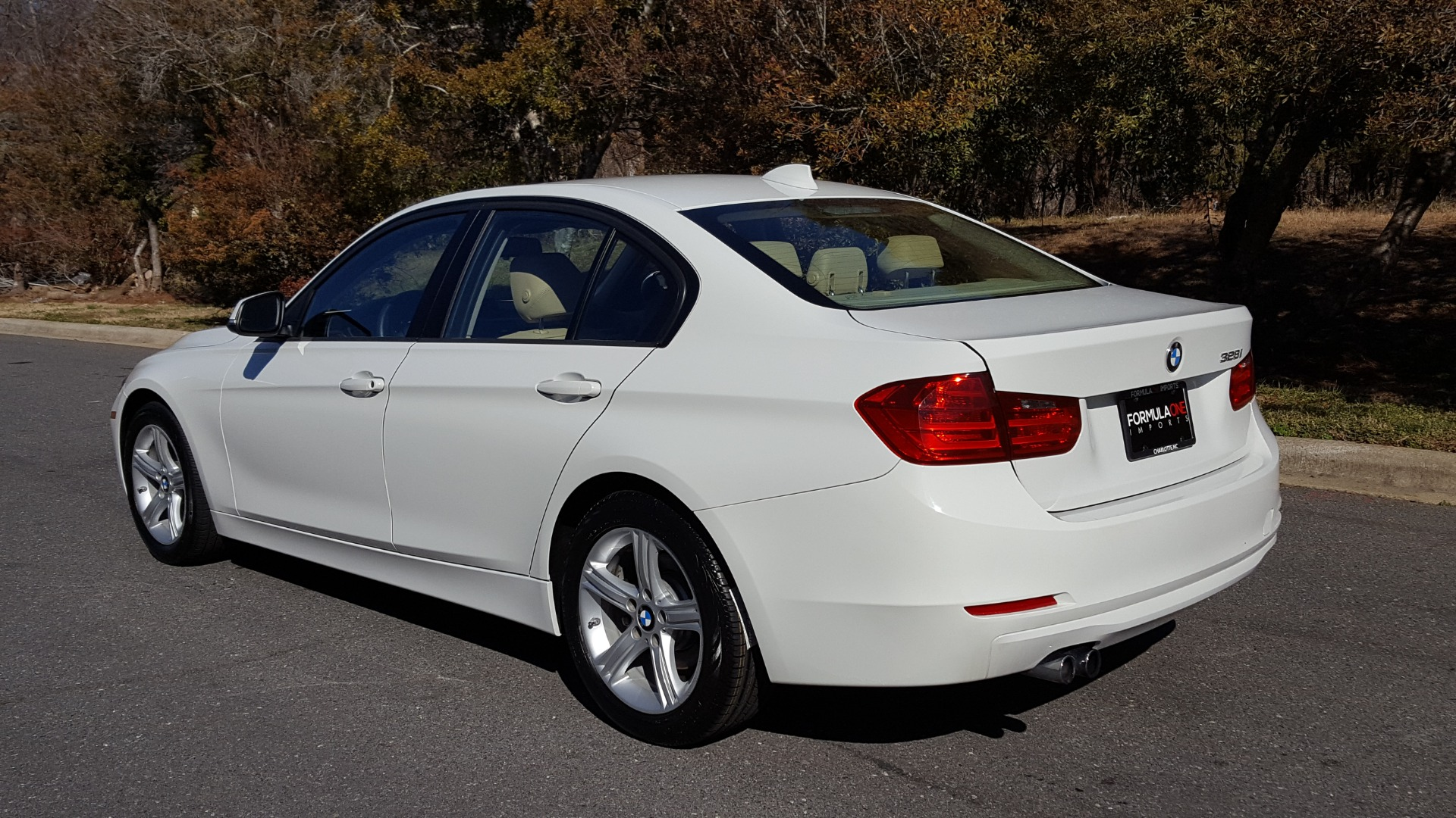 Used 2015 BMW 3 SERIES 328I SEDAN / SUNROOF / LEATHER / 8-SPEED AUTO / RWD for sale Sold at Formula Imports in Charlotte NC 28227 3