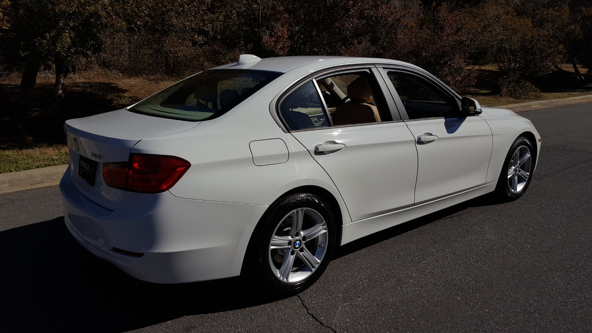 Used 2015 BMW 3 SERIES 328I SEDAN / SUNROOF / LEATHER / 8-SPEED AUTO / RWD for sale Sold at Formula Imports in Charlotte NC 28227 6