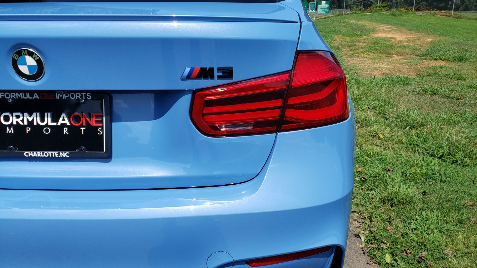 Used 2018 BMW M3 COMPETITION PKG / 6-SPD MANUAL / NAV / CARBON FIBER ROOF / REARVIEW for sale Sold at Formula Imports in Charlotte NC 28227 36