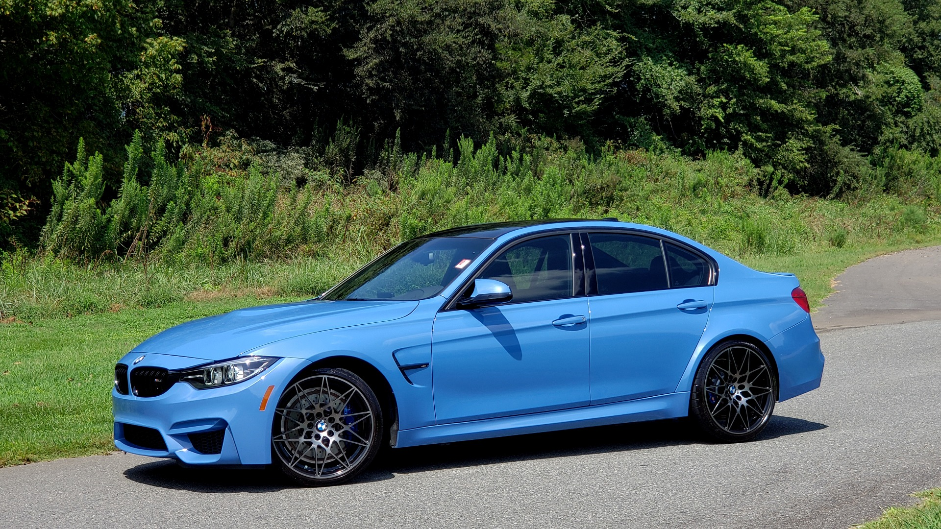 Used 2018 BMW M3 COMPETITION PKG / 6-SPD MANUAL / NAV / CARBON FIBER ROOF / REARVIEW for sale Sold at Formula Imports in Charlotte NC 28227 4