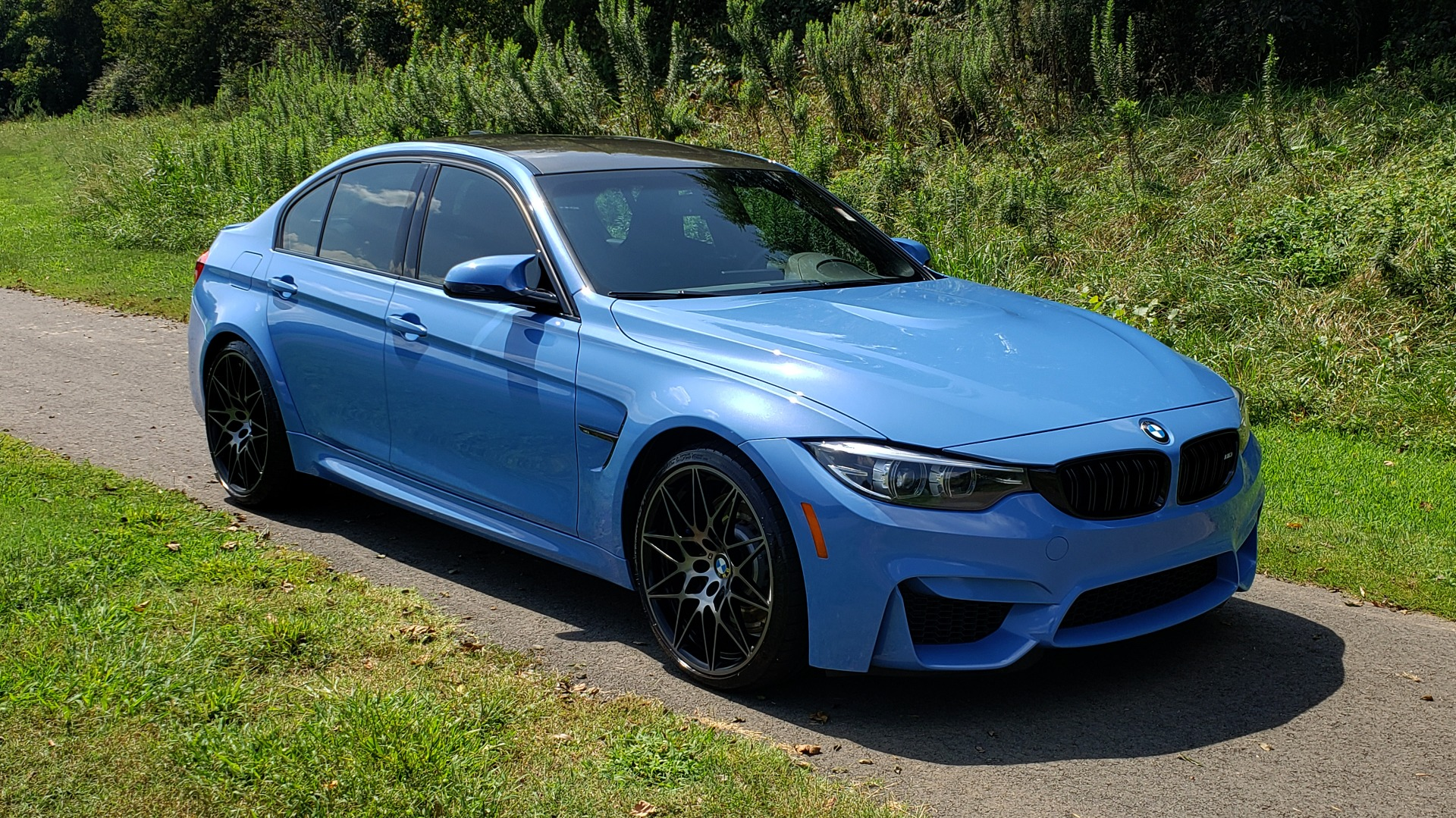 Used 2018 BMW M3 COMPETITION PKG / 6-SPD MANUAL / NAV / CARBON FIBER ROOF / REARVIEW for sale Sold at Formula Imports in Charlotte NC 28227 5