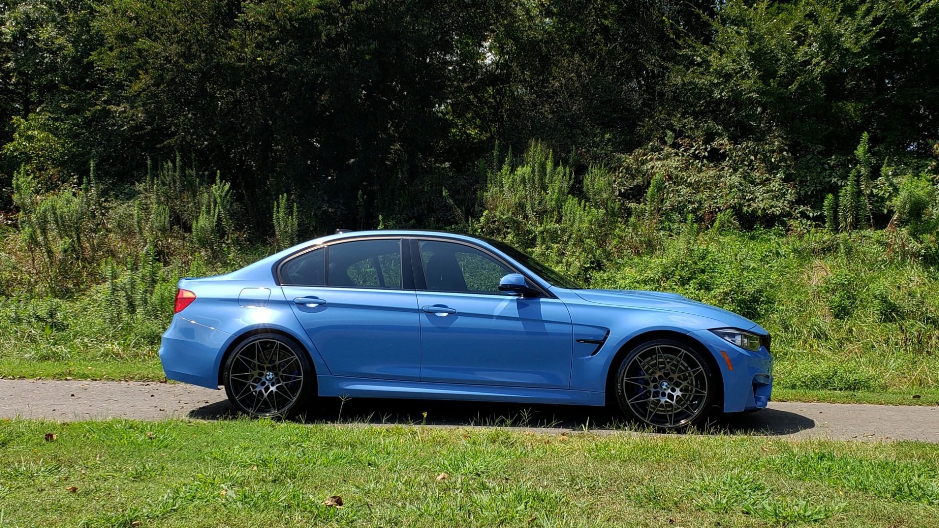 Used 2018 BMW M3 COMPETITION PKG / 6-SPD MANUAL / NAV / CARBON FIBER ROOF / REARVIEW for sale Sold at Formula Imports in Charlotte NC 28227 6