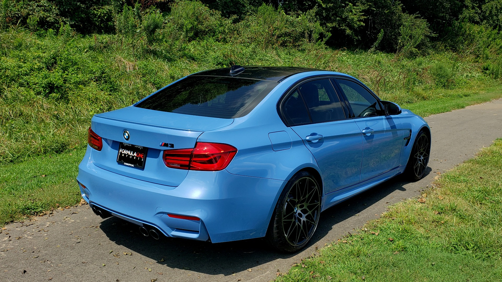 Used 2018 BMW M3 COMPETITION PKG / 6-SPD MANUAL / NAV / CARBON FIBER ROOF / REARVIEW for sale Sold at Formula Imports in Charlotte NC 28227 7