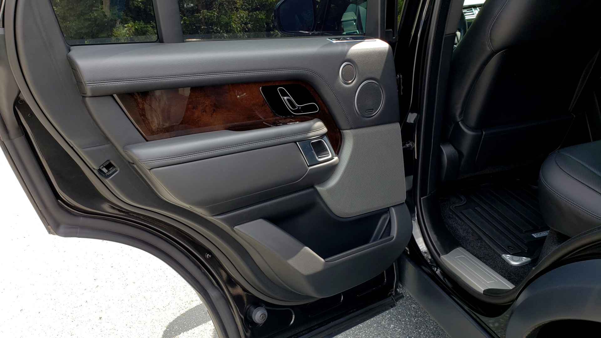 Used 2019 Land Rover RANGE ROVER SCV8 / NAV / PANO-ROOF / MERIDIAN / REARVIEW for sale Sold at Formula Imports in Charlotte NC 28227 74