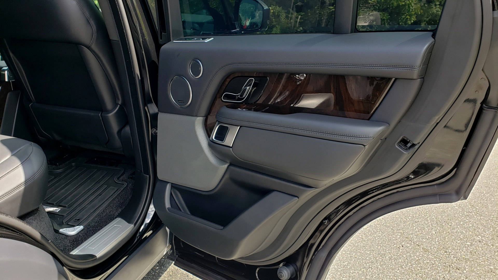 Used 2019 Land Rover RANGE ROVER SCV8 / NAV / PANO-ROOF / MERIDIAN / REARVIEW for sale Sold at Formula Imports in Charlotte NC 28227 86