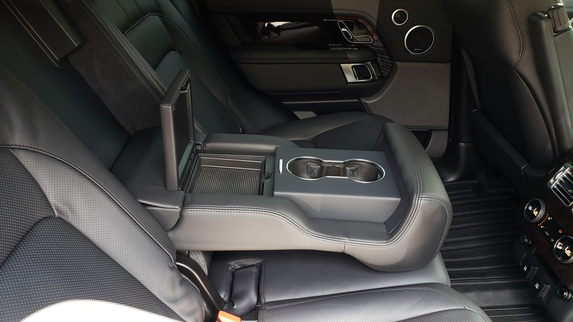 Used 2019 Land Rover RANGE ROVER SCV8 / NAV / PANO-ROOF / MERIDIAN / REARVIEW for sale Sold at Formula Imports in Charlotte NC 28227 90