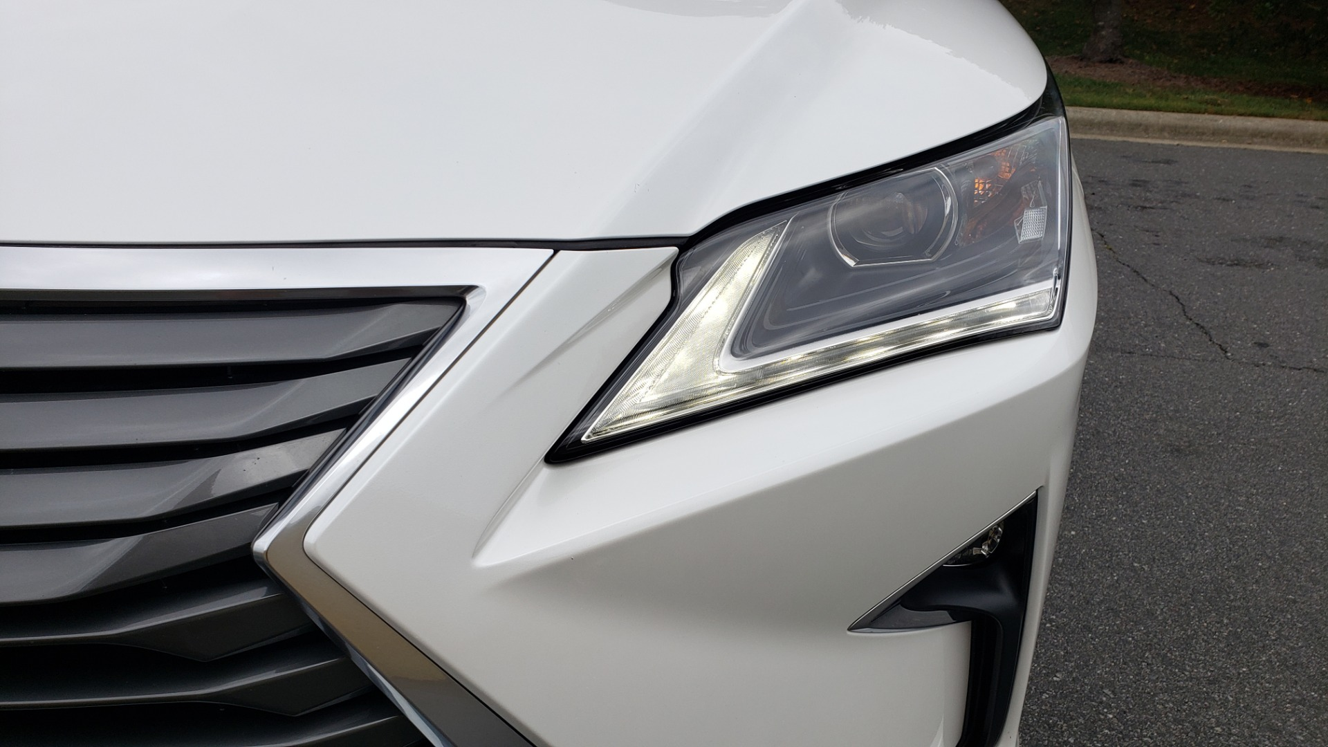 Used 2016 Lexus RX 350 FWD / 4-DR / 3.5L V6 / 8-SPD AUTO / LEATHER / REARVIEW for sale $31,995 at Formula Imports in Charlotte NC 28227 25