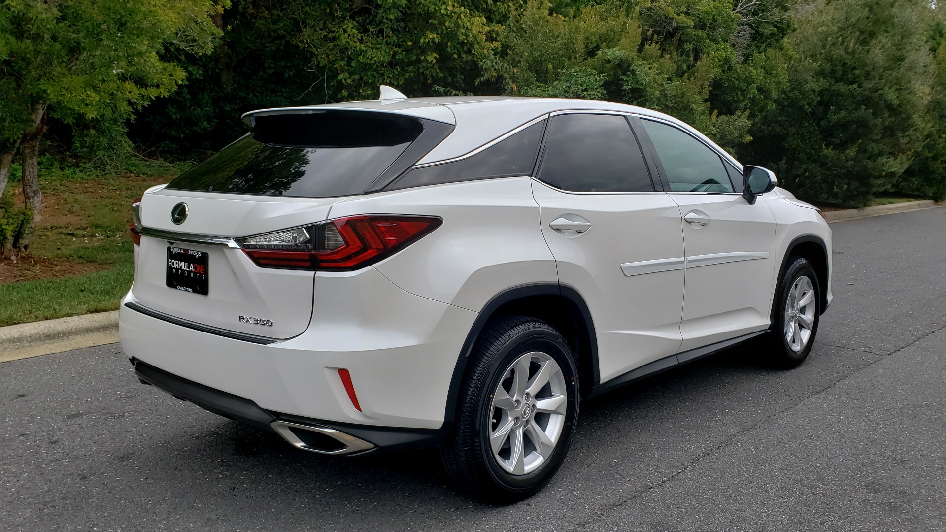 Used 2016 Lexus RX 350 FWD / 4-DR / 3.5L V6 / 8-SPD AUTO / LEATHER / REARVIEW for sale $31,995 at Formula Imports in Charlotte NC 28227 3