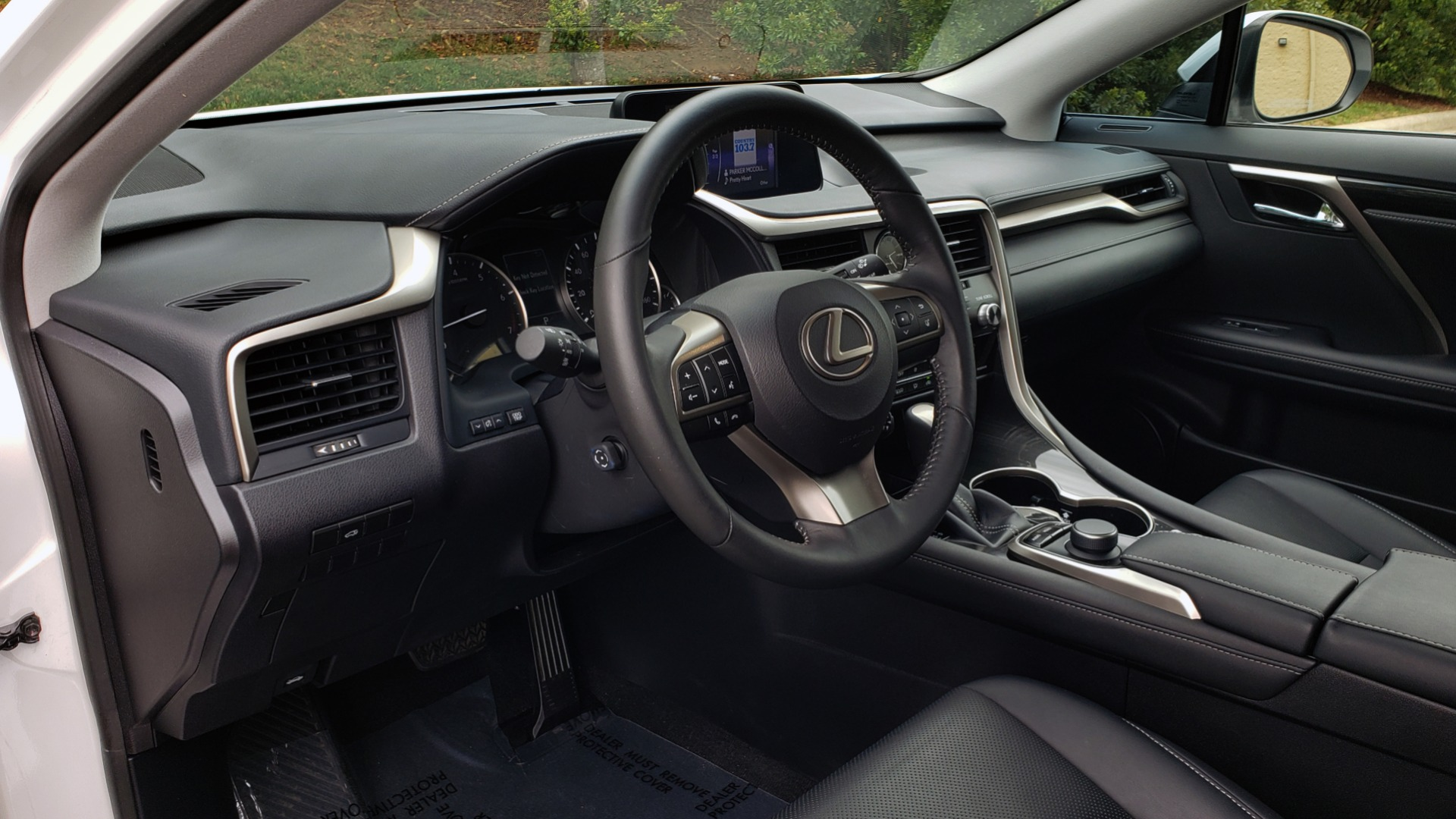 Used 2016 Lexus RX 350 FWD / 4-DR / 3.5L V6 / 8-SPD AUTO / LEATHER / REARVIEW for sale $29,795 at Formula Imports in Charlotte NC 28227 39