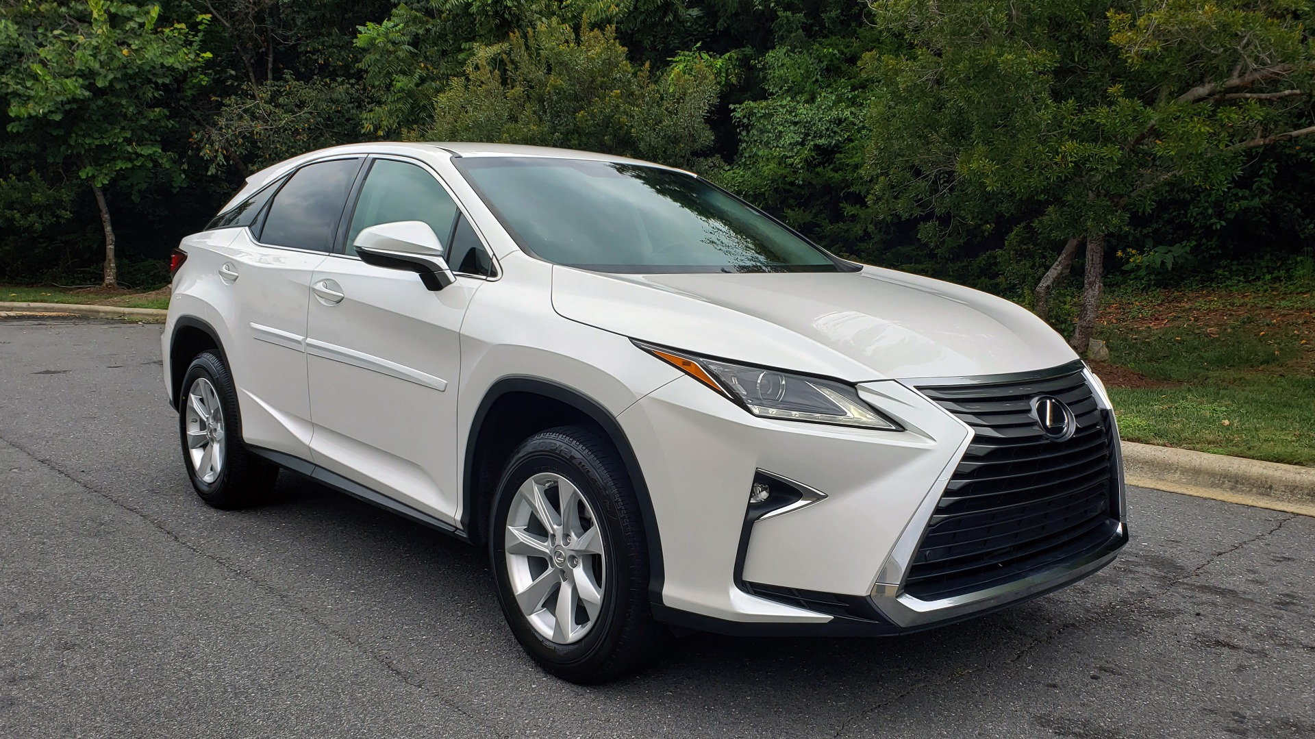 Used 2016 Lexus RX 350 FWD / 4-DR / 3.5L V6 / 8-SPD AUTO / LEATHER / REARVIEW for sale $29,795 at Formula Imports in Charlotte NC 28227 8